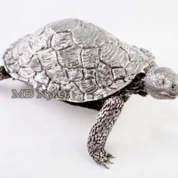 Metallskulpturen - Schildkröte aus Stahl - Metallarbeiten Dębica - Katalognummer Z39