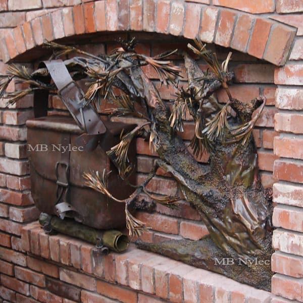 Reliefs aus Stahl - Briefkasten mit Bonsai-Baum - Kunstschmiedekunst - Katalognummer Z61