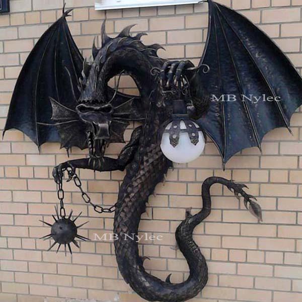 Skulpturen aus Metall - Lampe mit einem Drachen - Metallarbeiten Polen - Katalog Nr. Ogd86