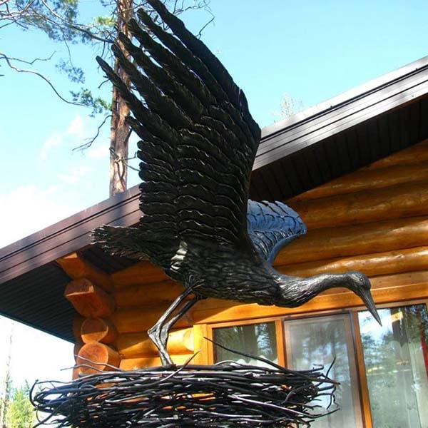 Skulpturen aus Metall - Stahlfiguren - Storch in einem Stahlnest - Katalognummer Z71