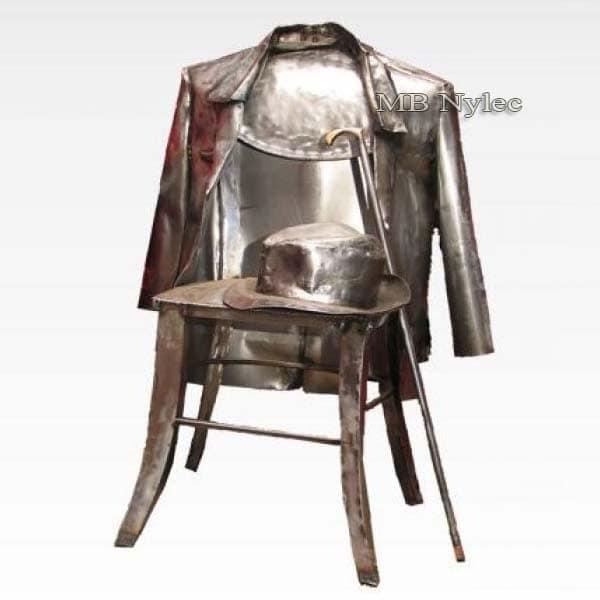 Metallskulpturen - Stuhl mit Mantel - Stahlfiguren - Katalognummer Z55