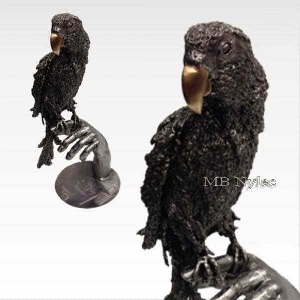 Stahlskulpturen - auf der Hand stehender Papagei - Metallarbeiten - Schmiedekunst - Katalognummer Z47