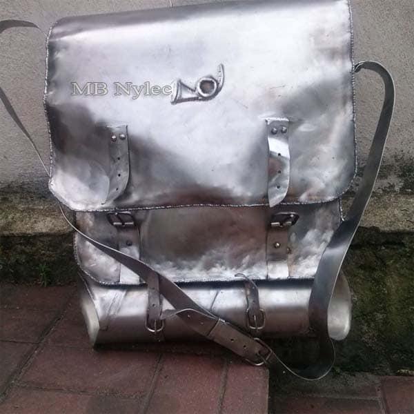 Stahlskulpturen - Brieftasche aus Metall - Briefkasten - Metallarbeiten - Katalognummer Z59