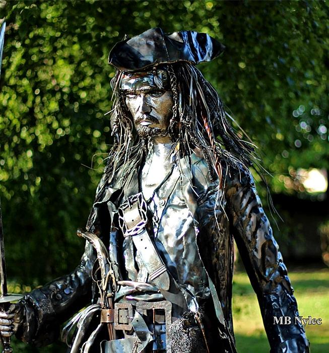 Stahlskulptur von Johnny Depp - Jack Sparrow